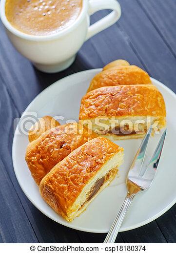 croissant - csp18180374