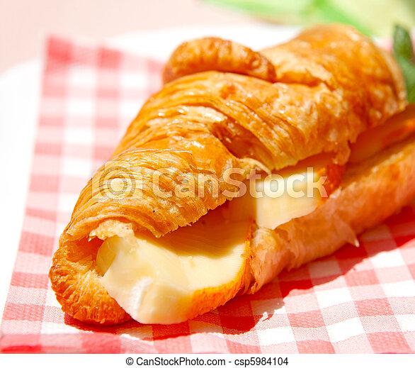 croissant sandwich - csp5984104