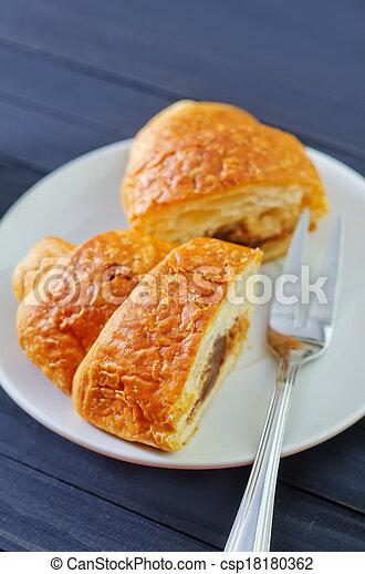 croissant - csp18180362