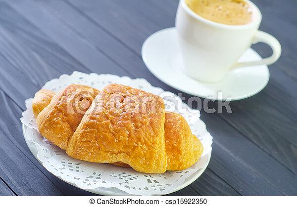 croissant - csp15922350
