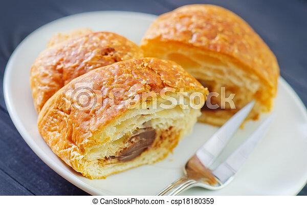 croissant - csp18180359