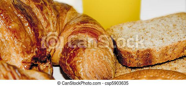 croissant - csp5903635