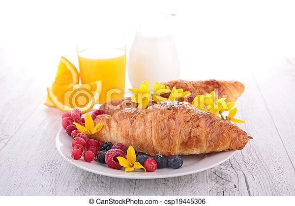 croissant - csp19445306