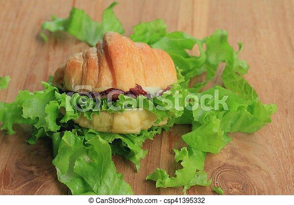 Croissant - csp41395332