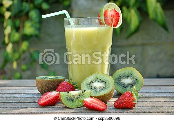 Kiwi smoothie - csp3580096